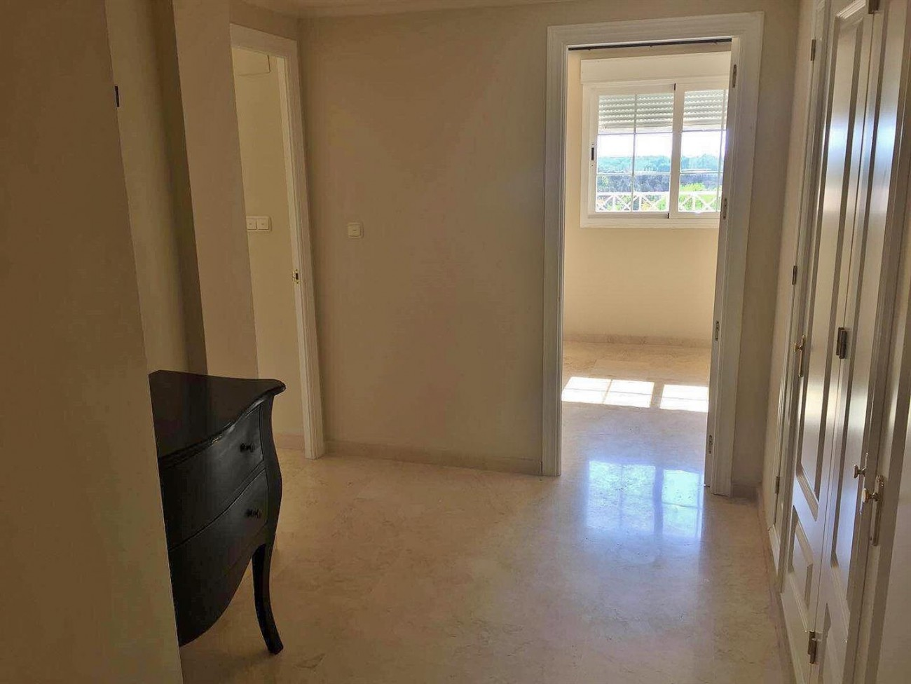 3 Bedrooms apartment for rent East Marbella (7) (Large)