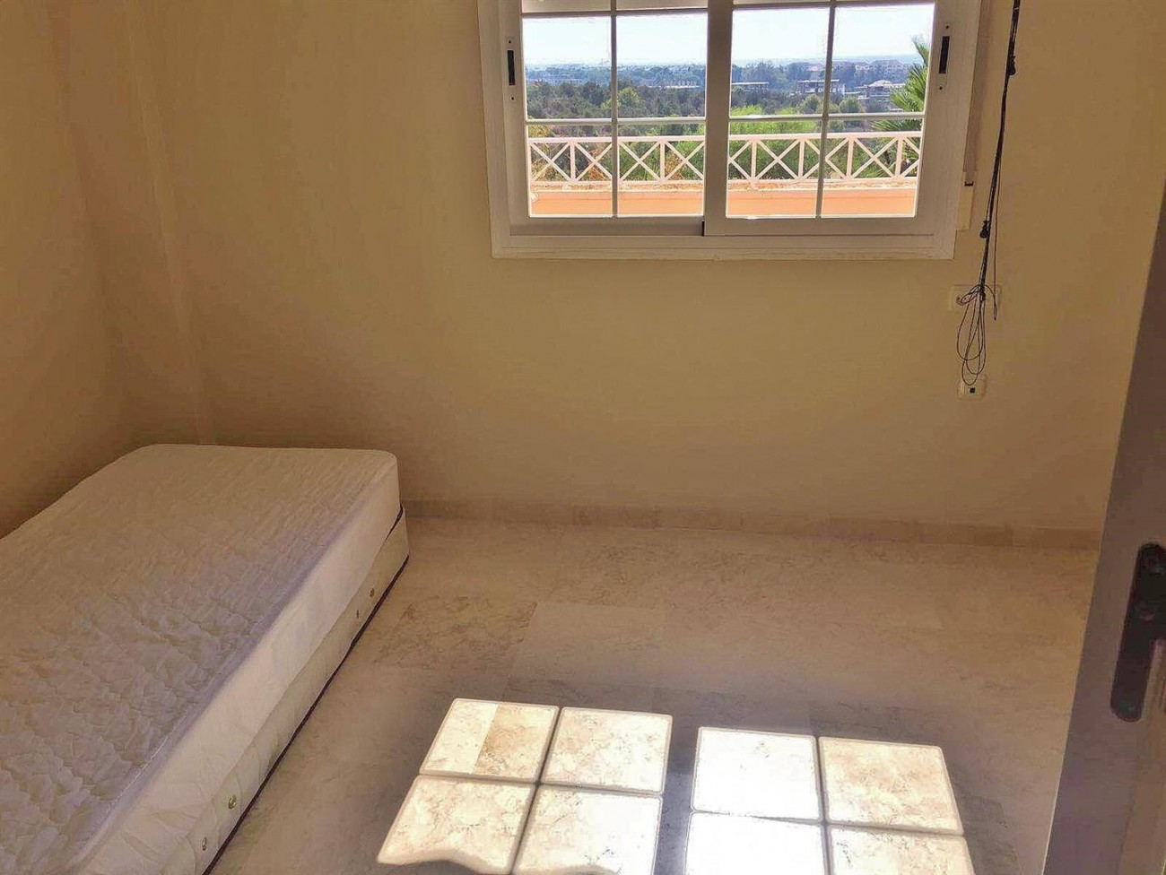 3 Bedrooms apartment for rent East Marbella (8) (Large)