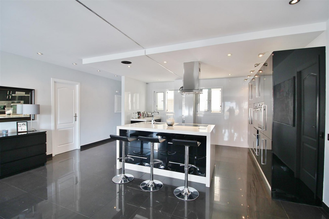 Modern Penthouse for sale in Benalmadena Spain (12) (Large)