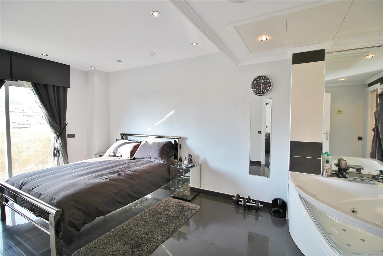Modern Penthouse for sale in Benalmadena Spain (13) (Large)