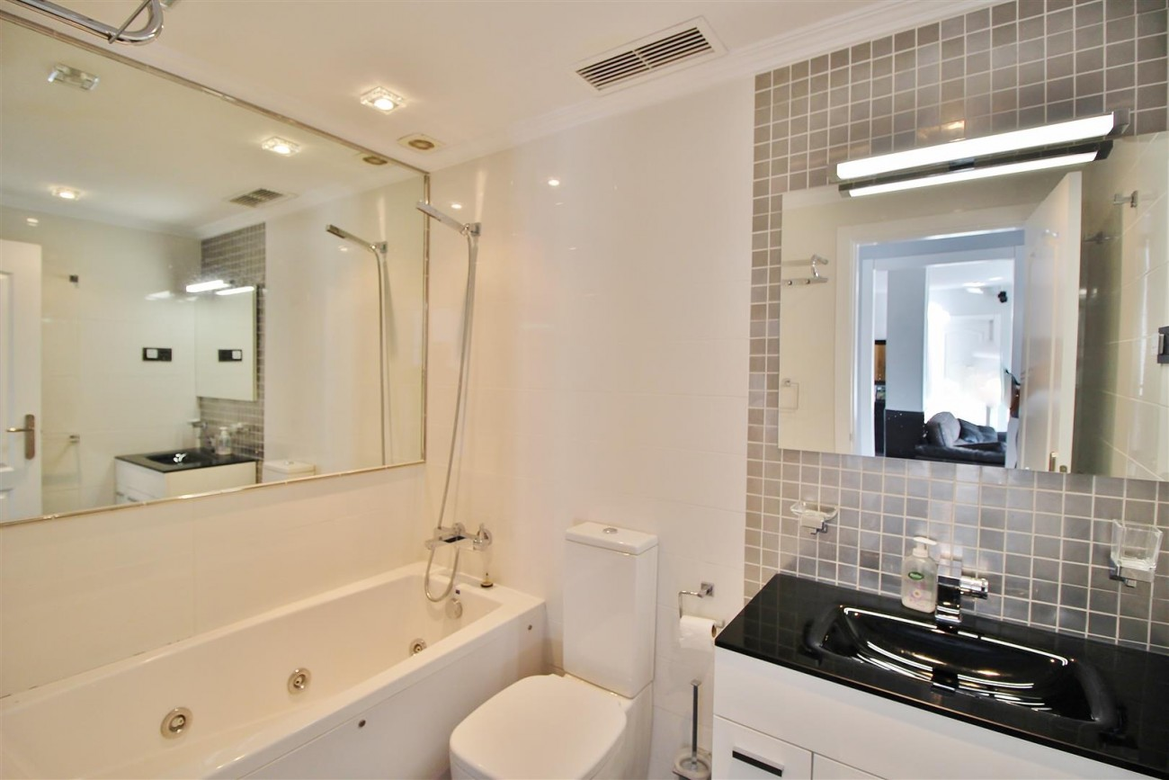Modern Penthouse for sale in Benalmadena Spain (20) (Large)