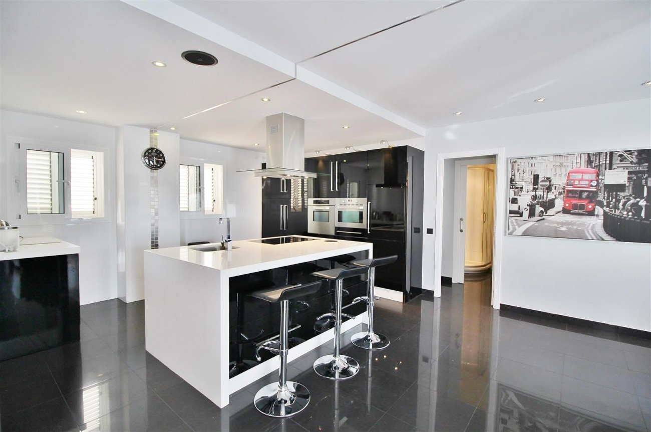 Modern Penthouse for sale in Benalmadena Spain (23) (Large)