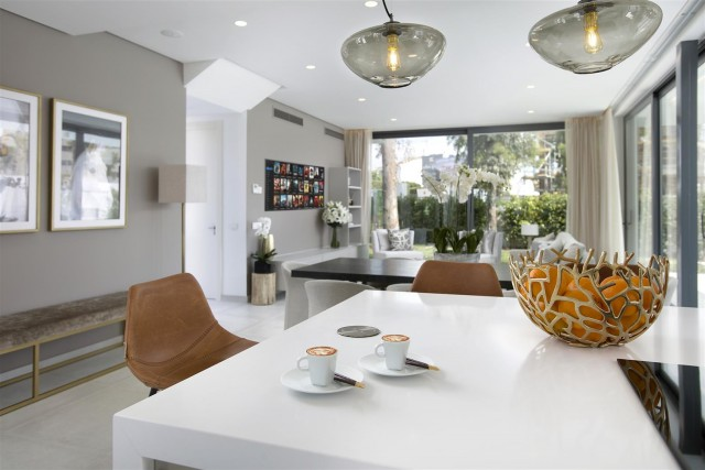 New Contemporary Villas Development Estepona Spain (4) (Large)
