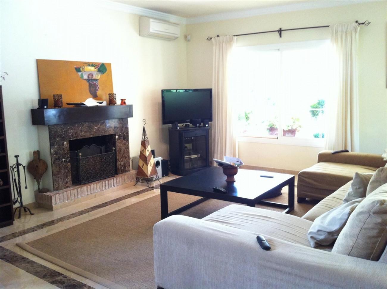 Villa for sale in Estepona Spain (2) (Large)