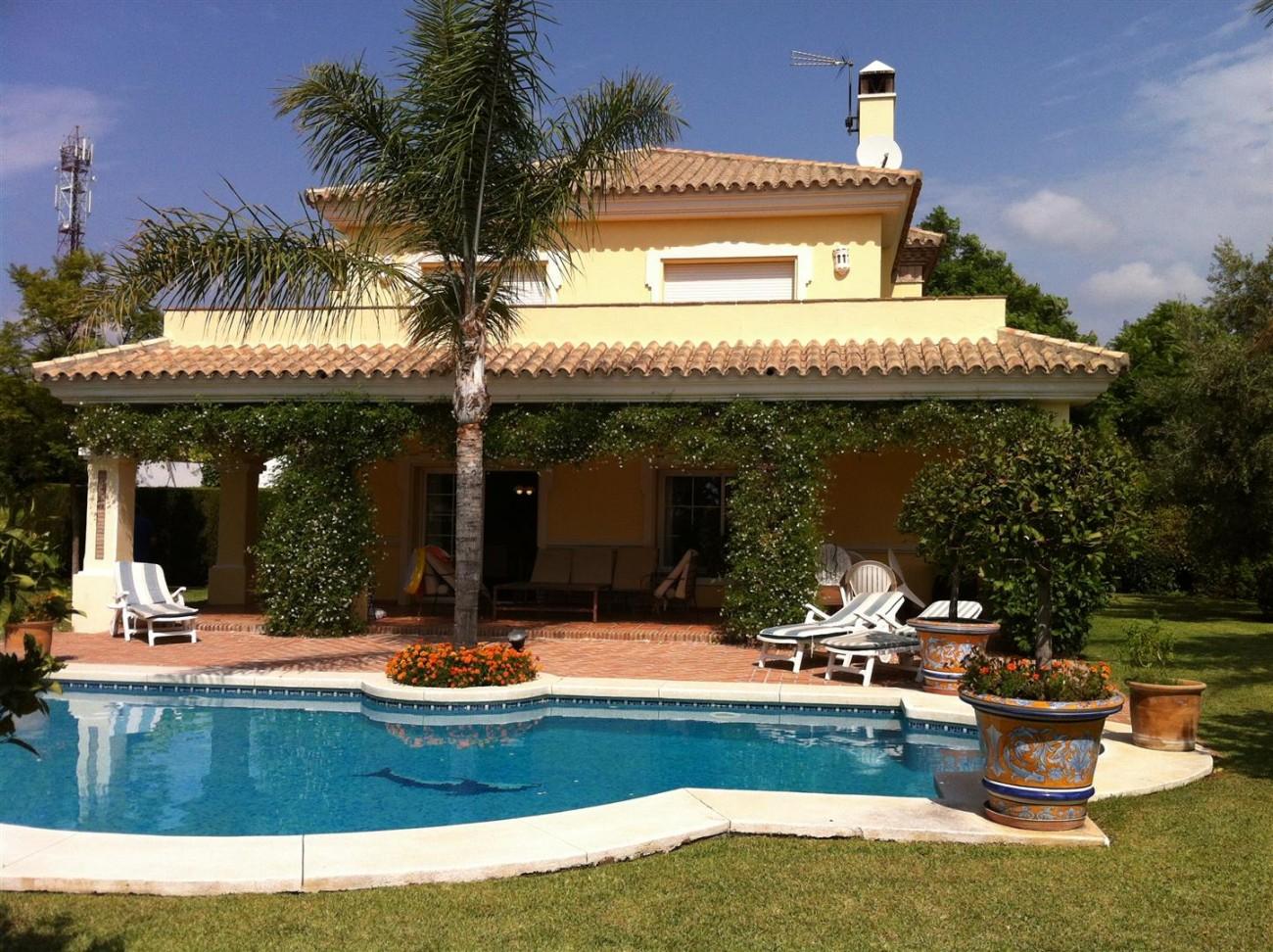 Villa for sale in Estepona Spain (3) (Large)