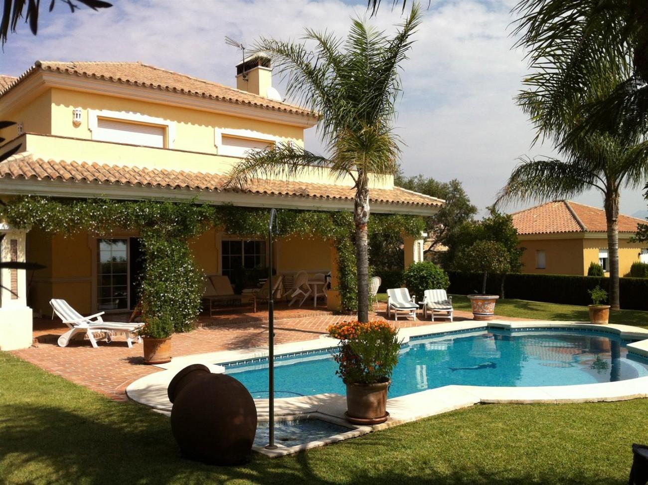 Villa for sale in Estepona Spain (5) (Large)
