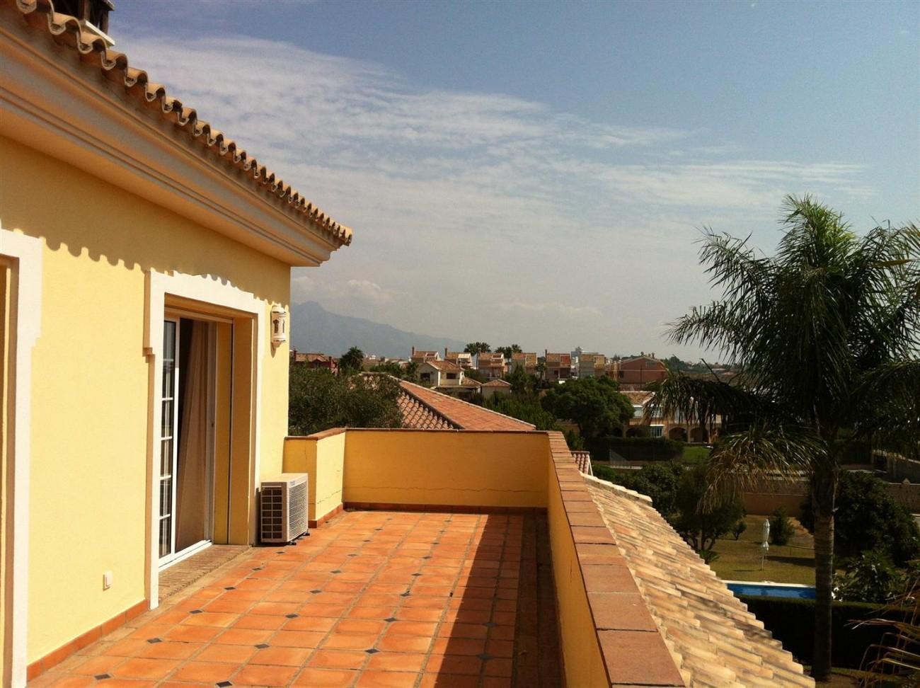 Villa for sale in Estepona Spain (9) (Large)