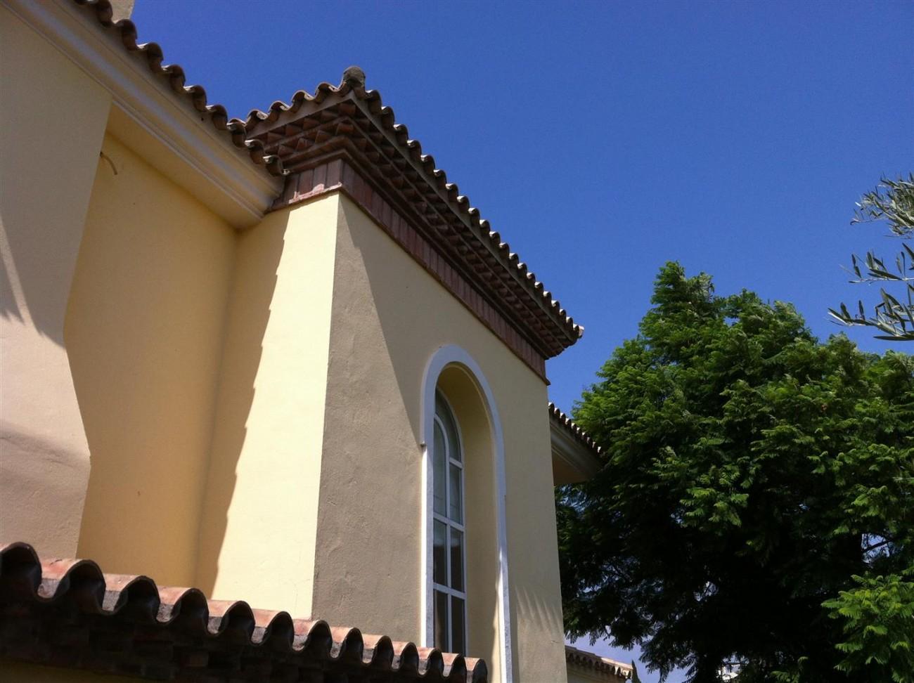 Villa for sale in Estepona Spain (11) (Large)