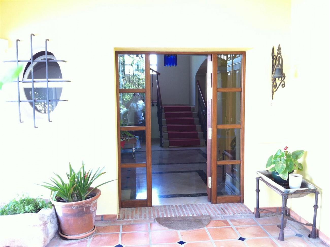 Villa for sale in Estepona Spain (12) (Large)