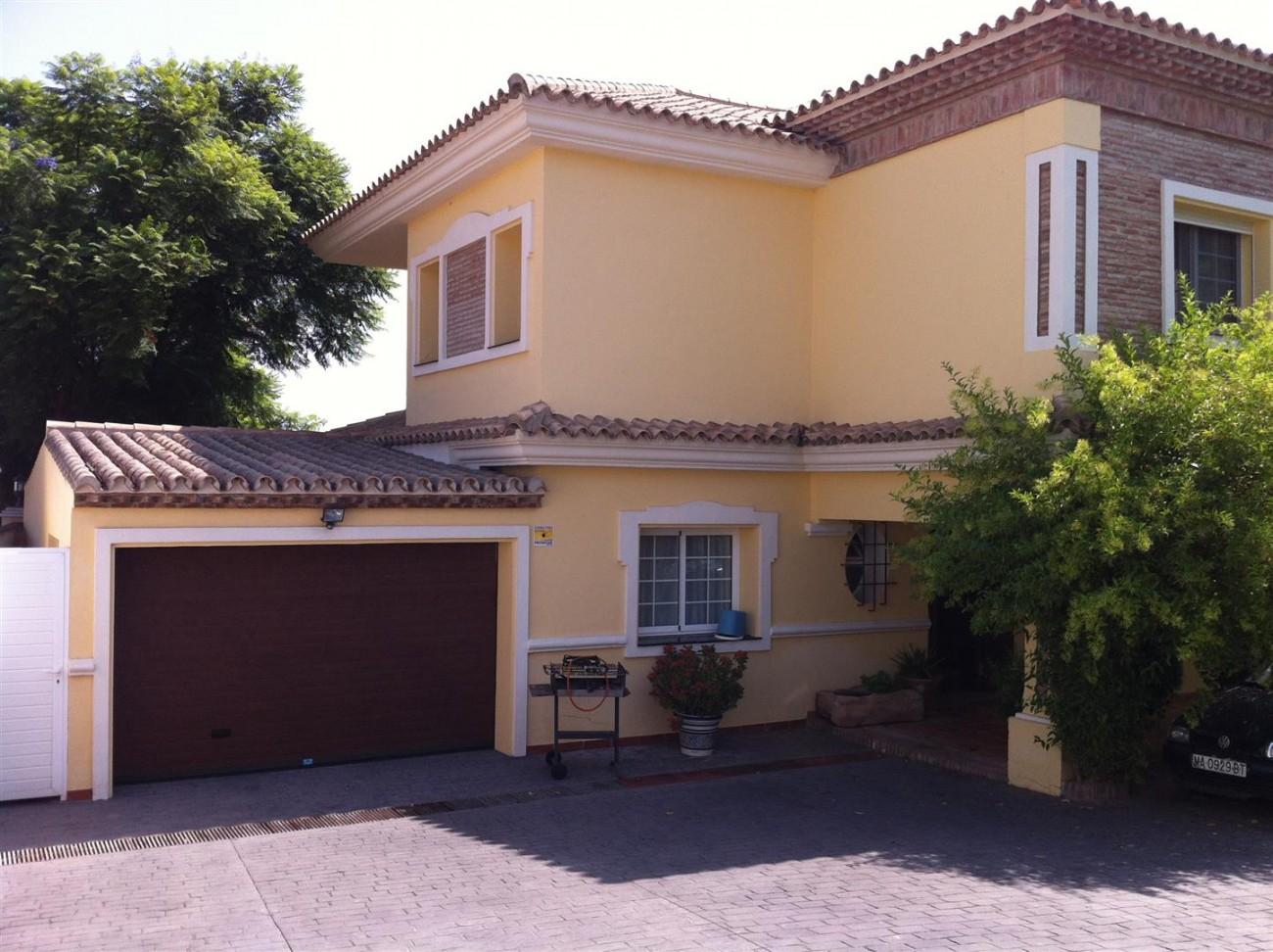 Villa for sale in Estepona Spain (13) (Large)
