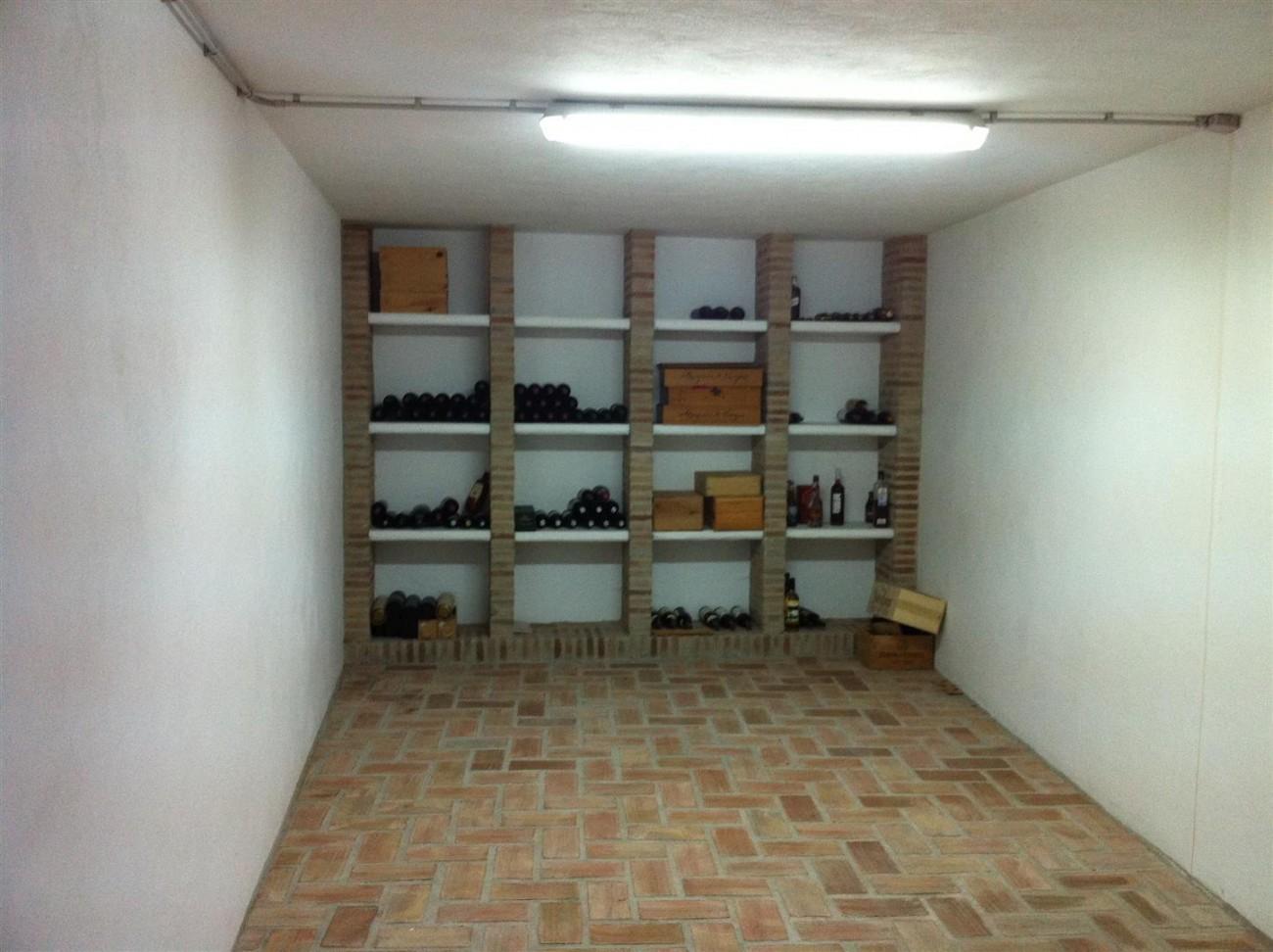 Villa for sale in Estepona Spain (14) (Large)