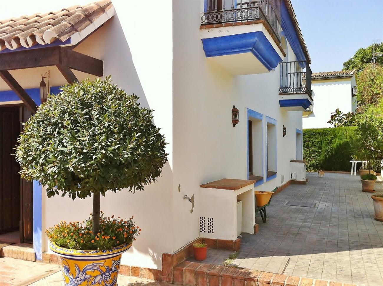 Rustic Villa for sale Estepona Spain (5) (Large)