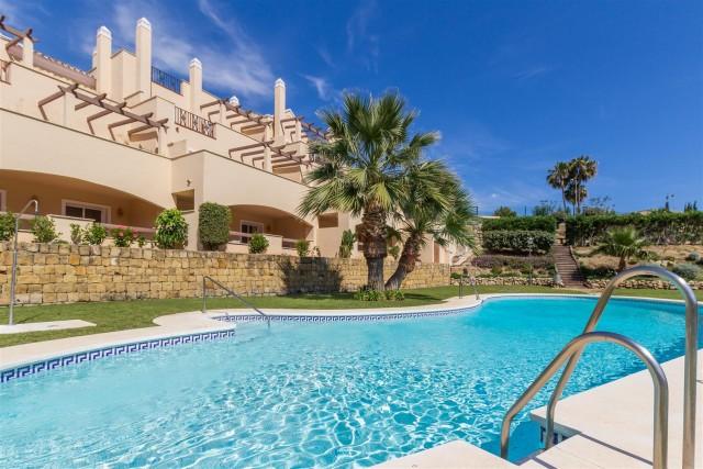 Apartment for Sale - 379.000€ - Nueva Andalucía, Costa del Sol - Ref: 5705