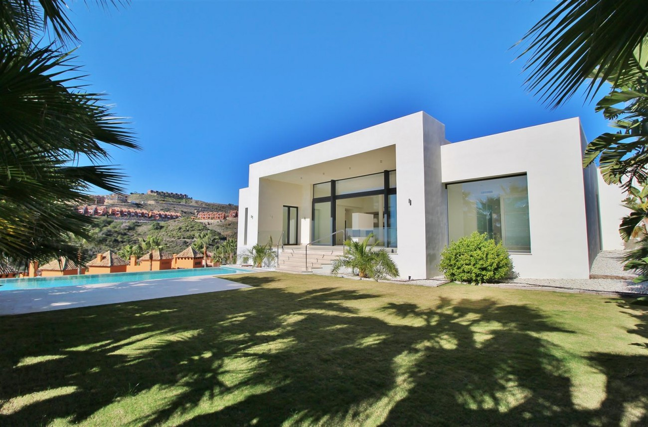 Luxury Contemporary Villa for sale Benahavis Spain (14) (Large)