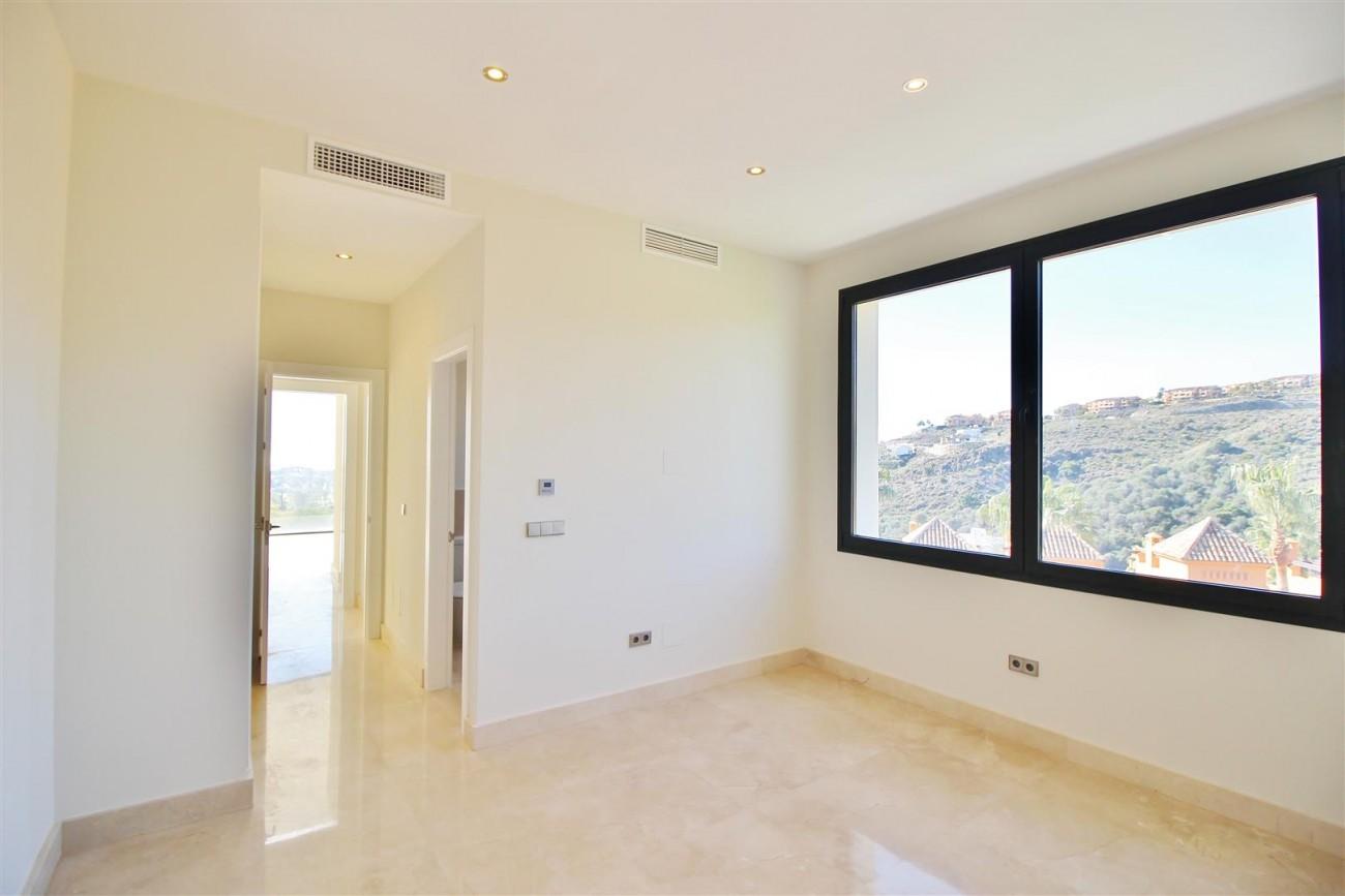 Luxury Contemporary Villa for sale Benahavis Spain (24) (Large)