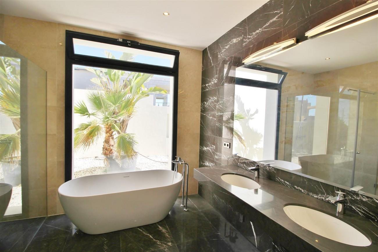 Luxury Contemporary Villa for sale Benahavis Spain (27) (Large)