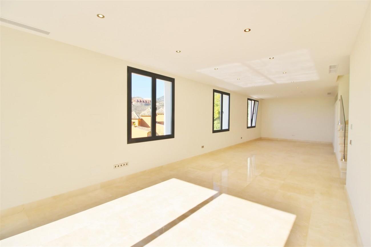 Luxury Contemporary Villa for sale Benahavis Spain (35) (Large)