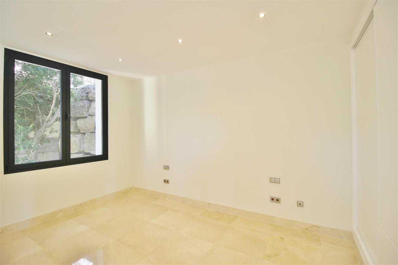 Luxury Contemporary Villa for sale Benahavis Spain (41) (Large)
