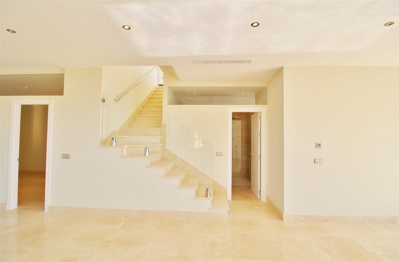 Luxury Contemporary Villa for sale Benahavis Spain (43) (Large)