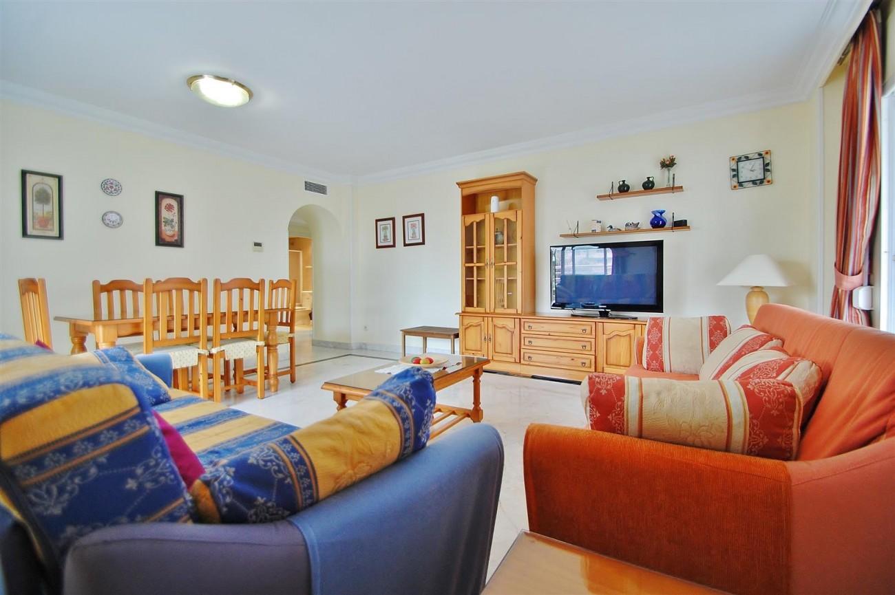 A5714 Apartment for sale Puerto Banus Marbella Spain (1) (Large)