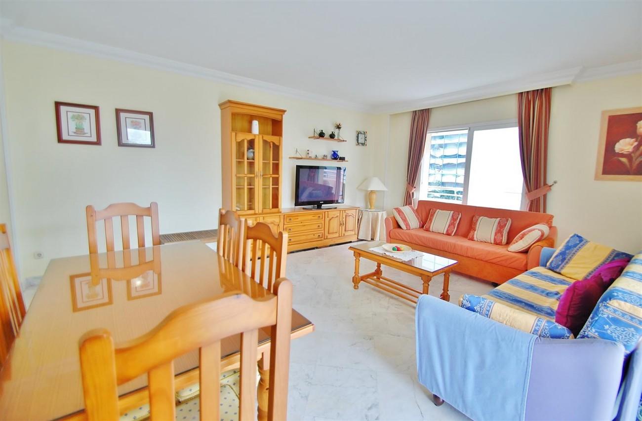 A5714 Apartment for sale Puerto Banus Marbella Spain (3) (Large)