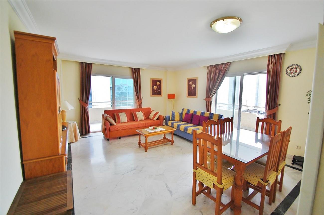 A5714 Apartment for sale Puerto Banus Marbella Spain (5) (Large)
