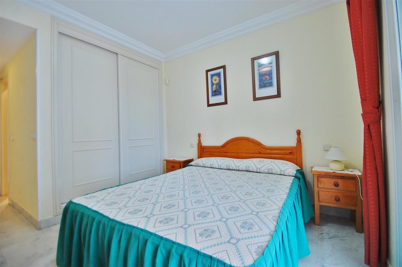 A5714 Apartment for sale Puerto Banus Marbella Spain (7) (Large)