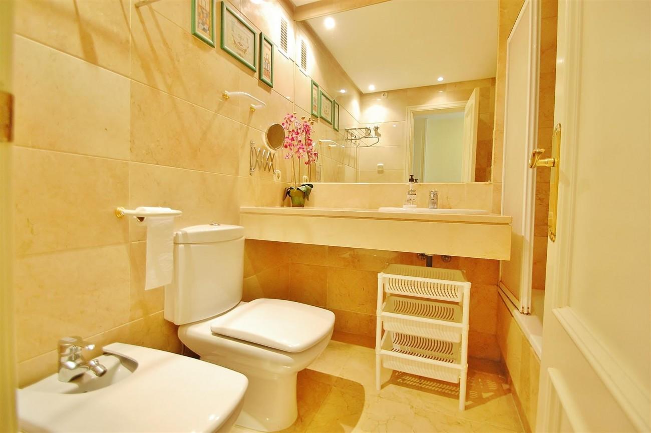 A5714 Apartment for sale Puerto Banus Marbella Spain (9) (Large)