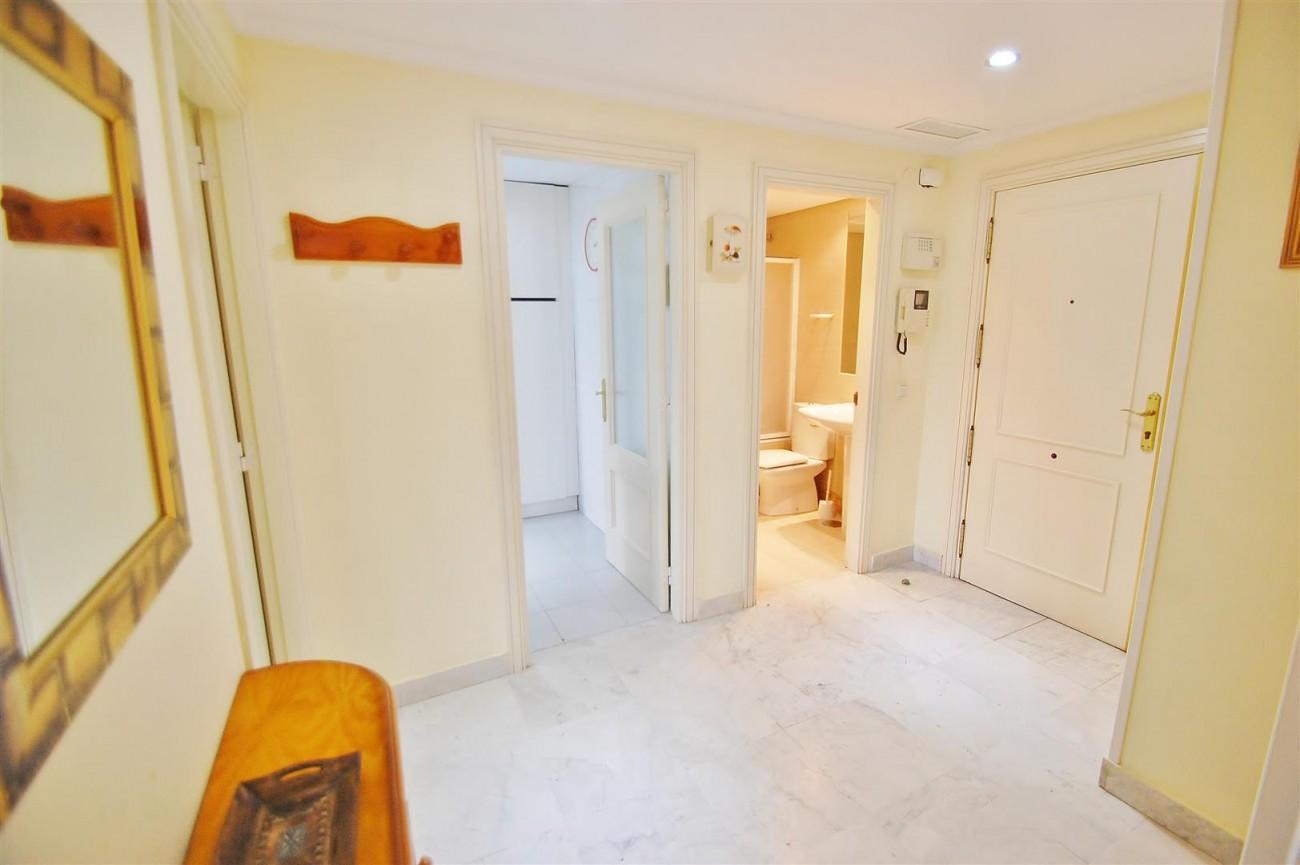 A5714 Apartment for sale Puerto Banus Marbella Spain (16) (Large)