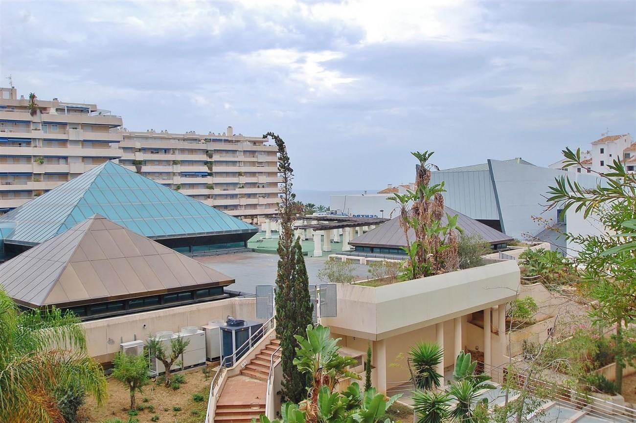 A5714 Apartment for sale Puerto Banus Marbella Spain (19) (Large)
