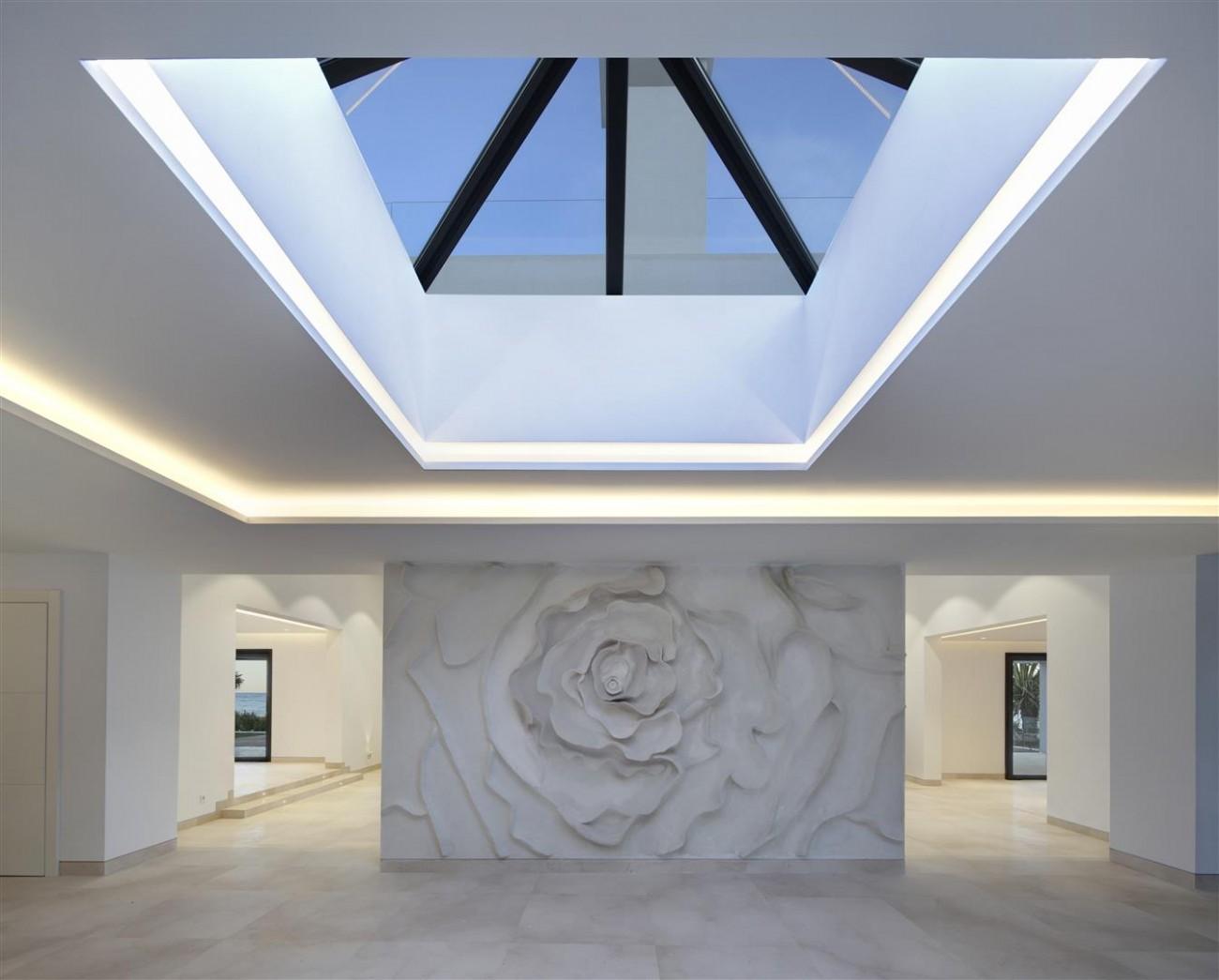 Frontline Beach Exclusive Villa for sale Estepona (14)