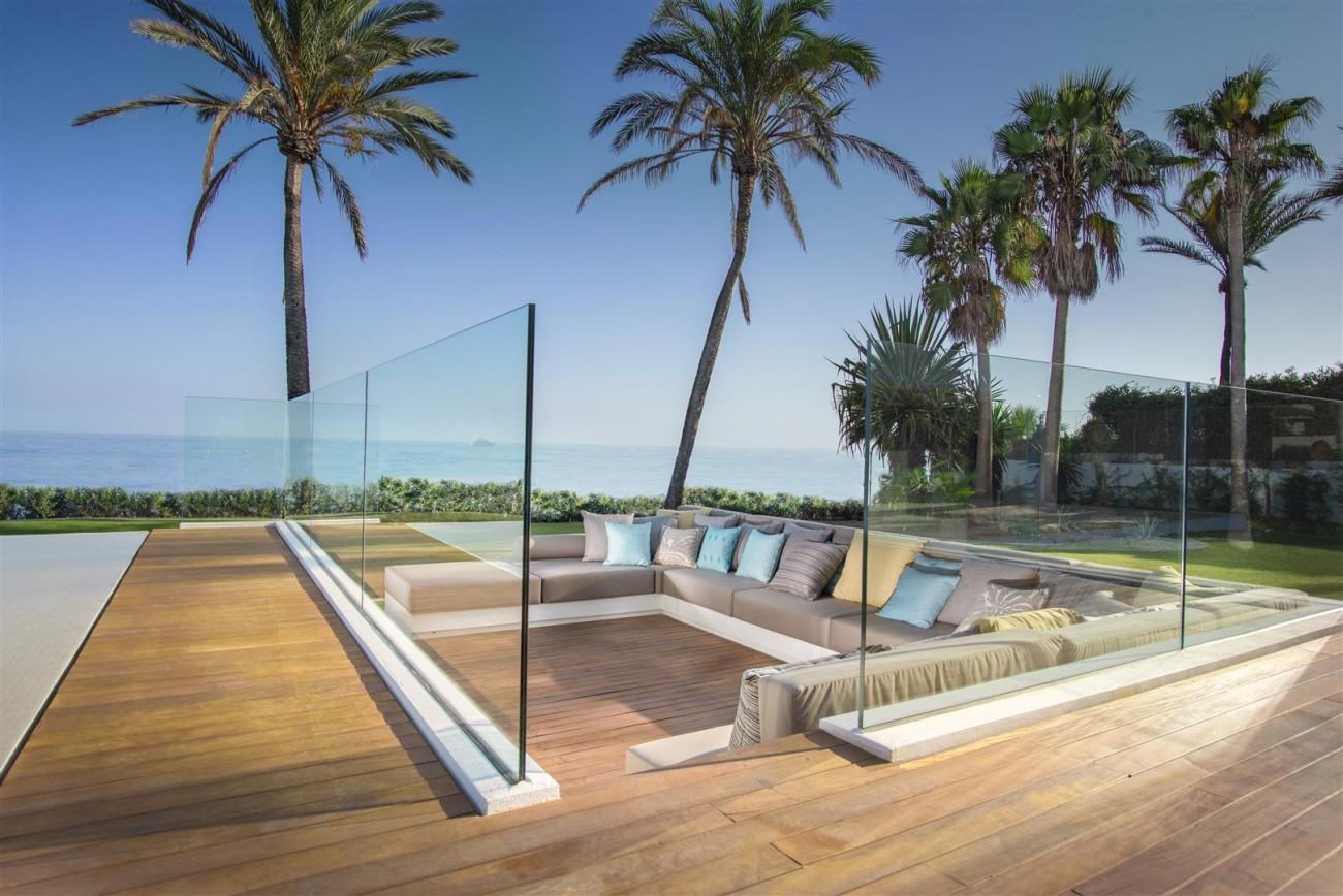 Frontline Beach Exclusive Villa for sale Estepona (22)