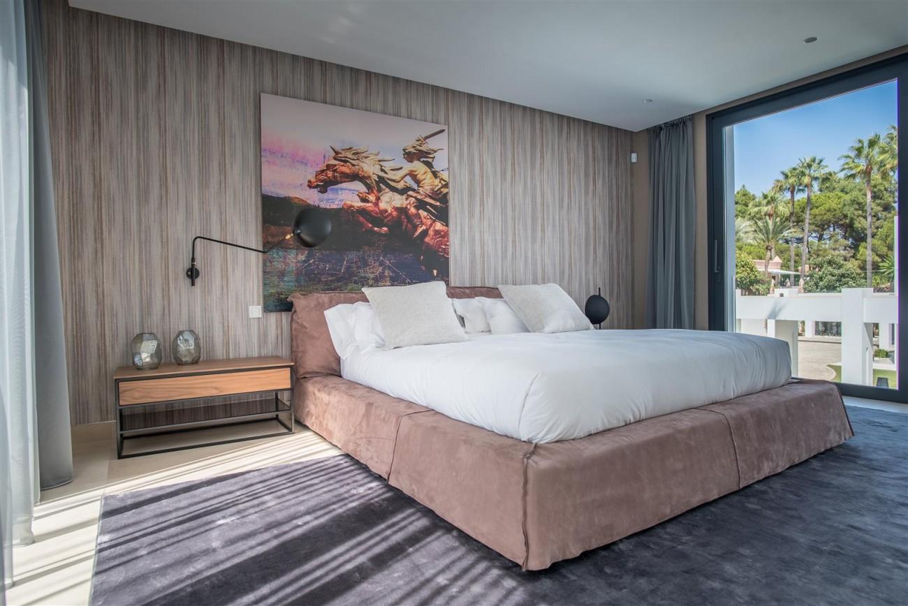 Frontline Beach Exclusive Villa for sale Estepona (40)