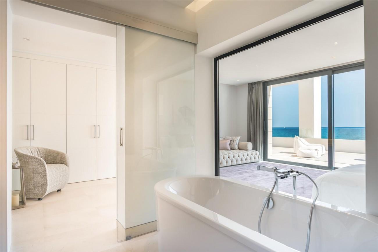 Frontline Beach Exclusive Villa for sale Estepona (41)