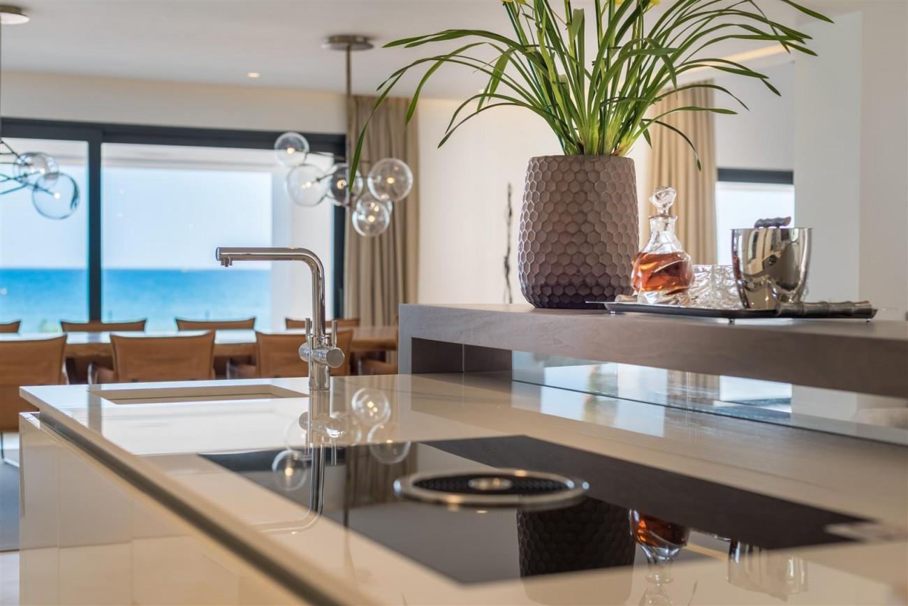 Frontline Beach Exclusive Villa for sale Estepona (42)