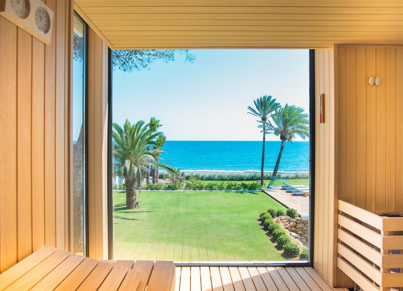 Frontline Beach Exclusive Villa for sale Estepona (46)