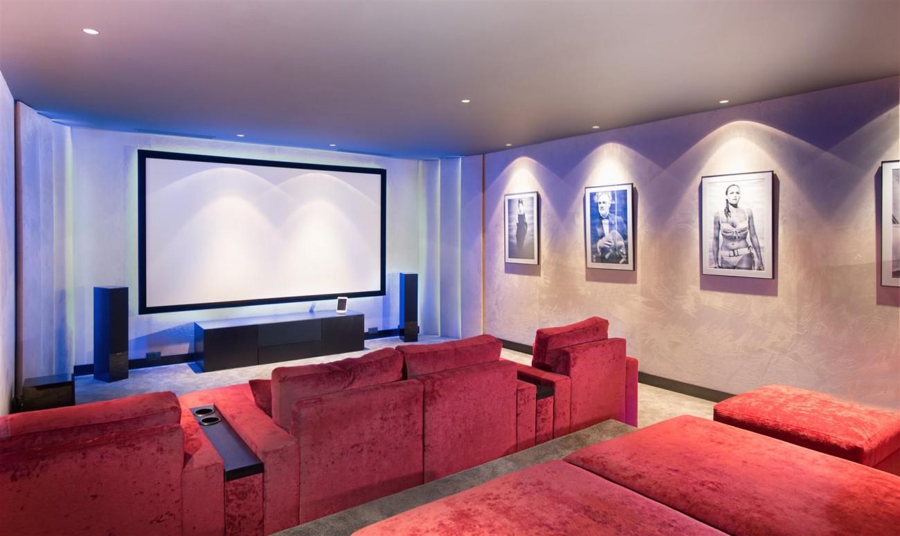 Frontline Beach Exclusive Villa for sale Estepona (51)