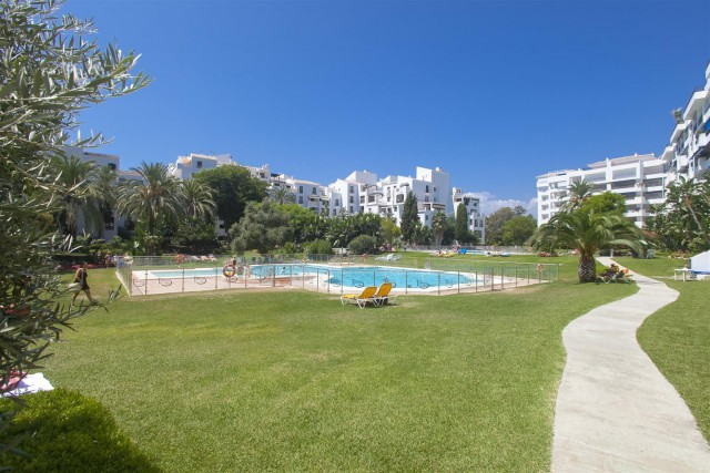 Apartment for Sale - 425.000€ - Puerto Banús, Costa del Sol - Ref: 5719