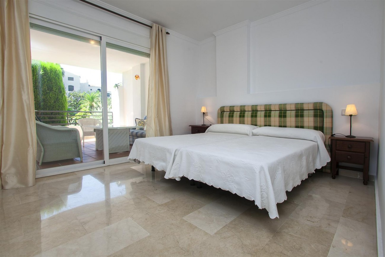 Apartment for sale Puerto Banus Marbella Spain (41) (Large)