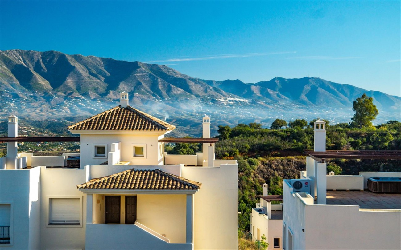New Apartments Elviria Hills Marbella Spain (5) (Large)