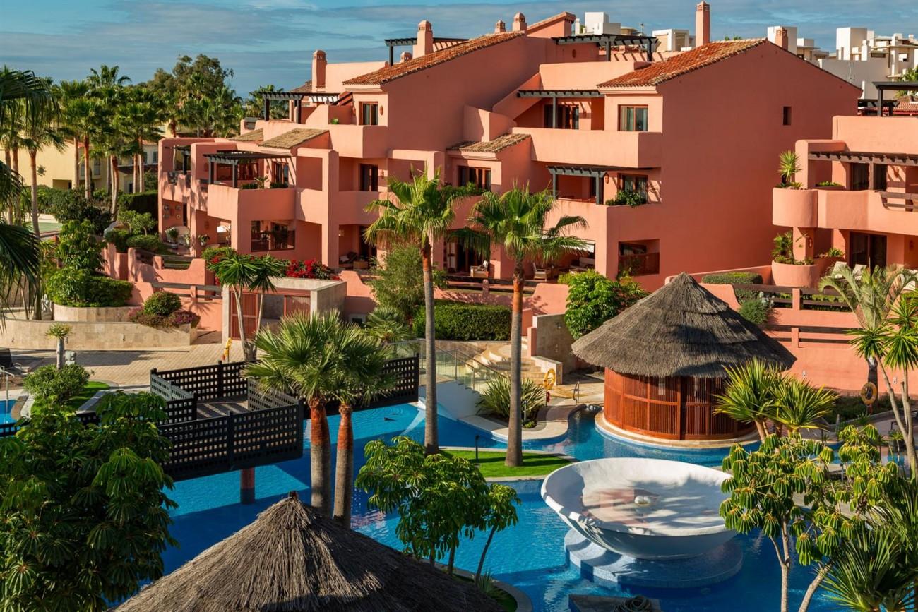 Beachfront Penthouse for sale Estepona Spain (4) (Large)