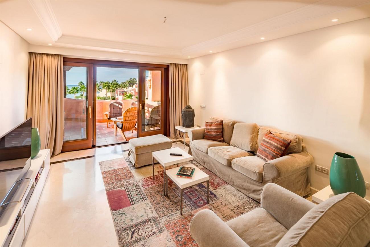 Beachfront Penthouse for sale Estepona Spain (5) (Large)