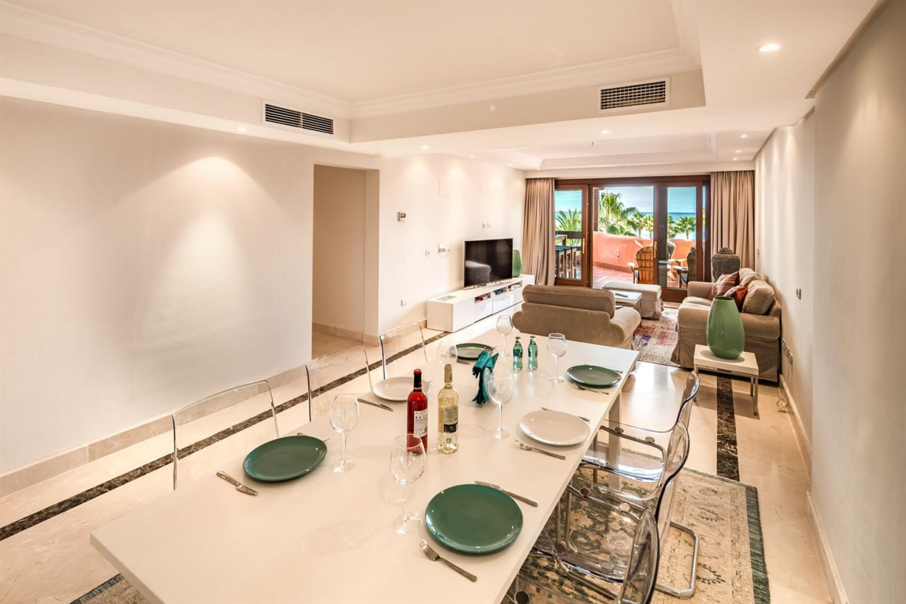 Beachfront Penthouse for sale Estepona Spain (7) (Large)