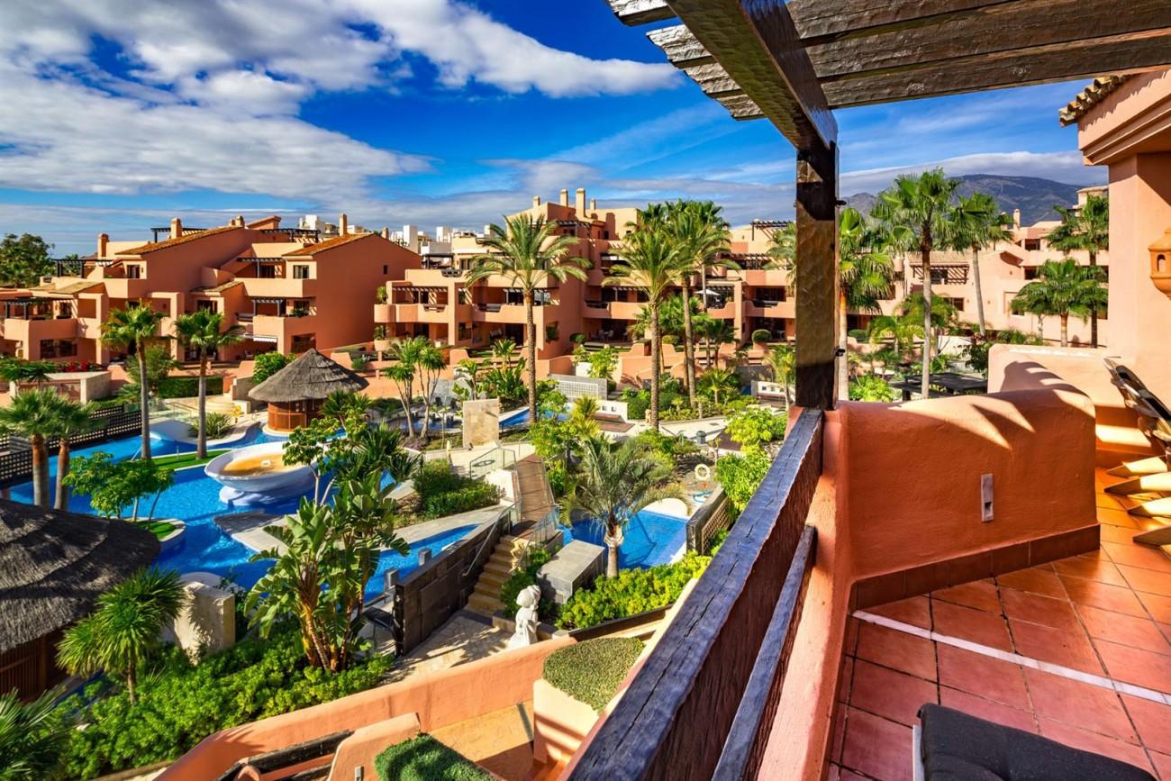 Beachfront Penthouse for sale Estepona Spain (10) (Large)
