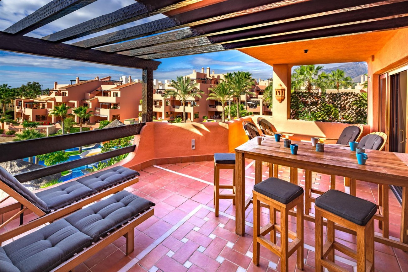 Beachfront Penthouse for sale Estepona Spain (11) (Large)