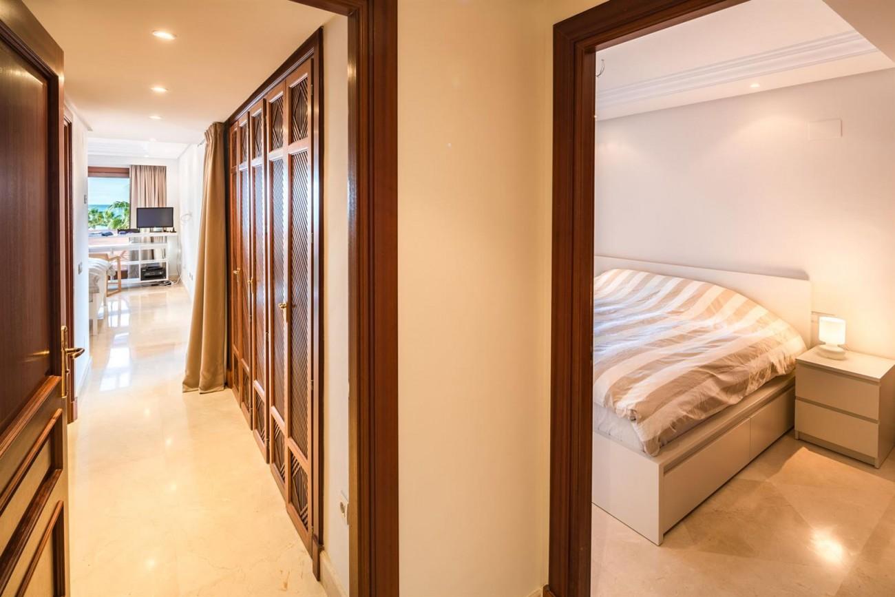 Beachfront Penthouse for sale Estepona Spain (15) (Large)
