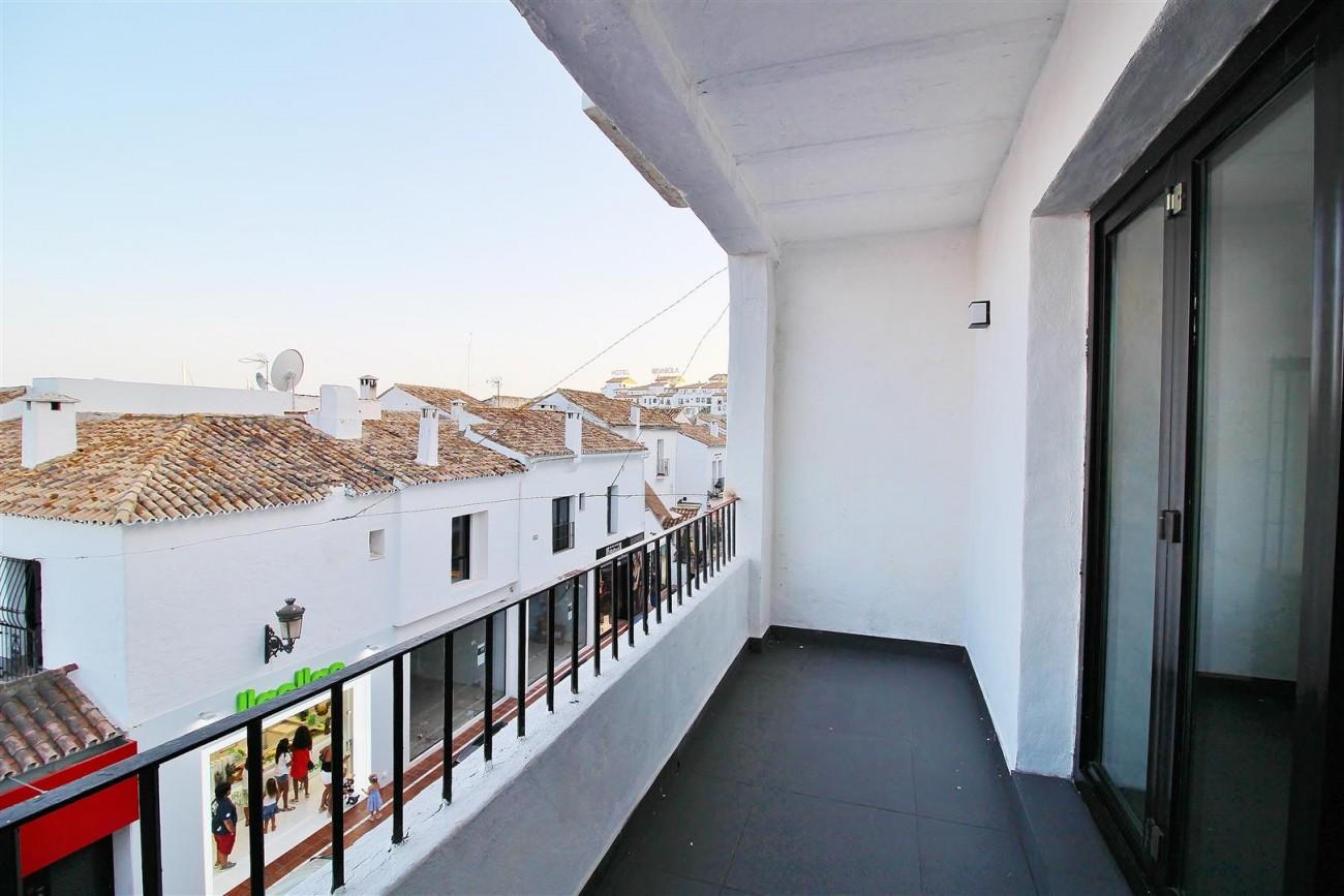 Luxury Apartment for sale Puerto Banus Marbella Spain (2) (Large)