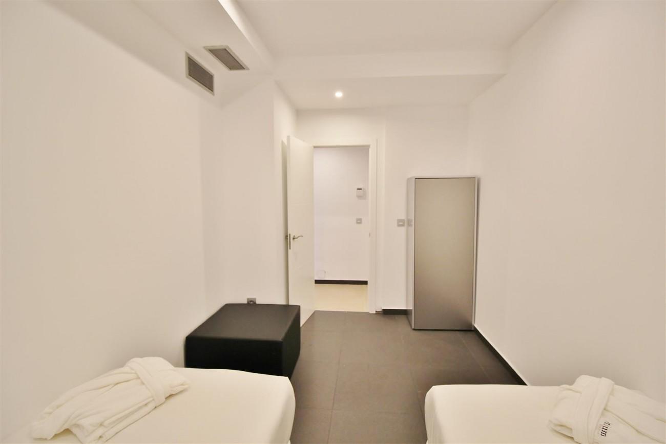 Luxury Apartment for sale Puerto Banus Marbella Spain (4) (Large)