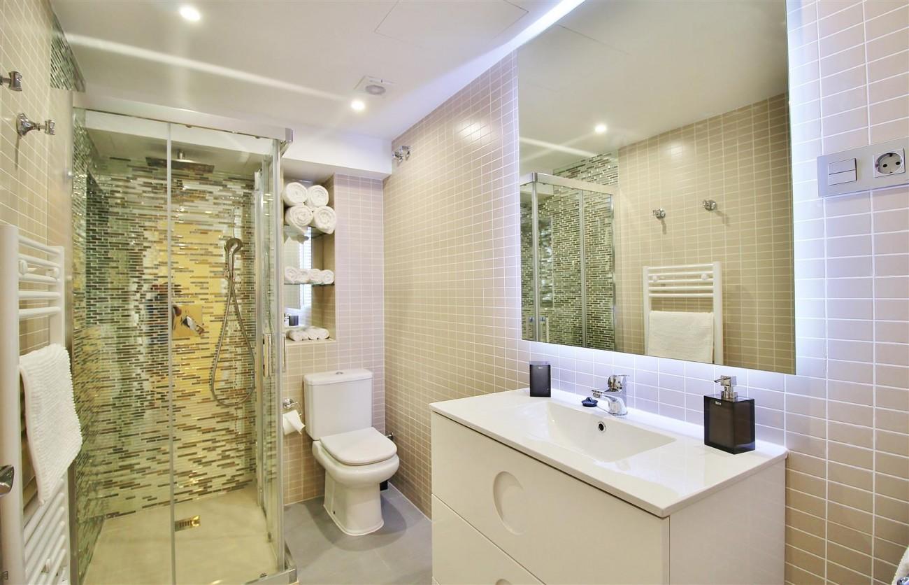 Luxury Apartment for sale Puerto Banus Marbella Spain (5) (Large)