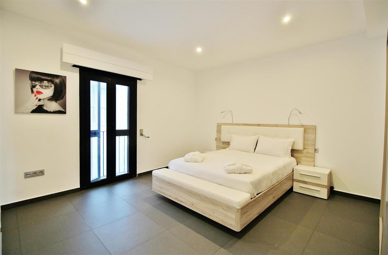 Luxury Apartment for sale Puerto Banus Marbella Spain (6) (Large)